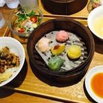 茶月譚 - 魯肉飯(ルーロウファン)点心ランチ