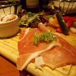 70389687 - 生ハム・真鯛のカルパッチョ・カポナータ・ピクルス・前菜盛合せ