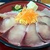 道の駅たるみず - 料理写真:【数量限定!海鮮丼(普通/880円)身が大きくてブリッブリ~♪】