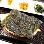 そうる肉食堂 承 - 韓国のり胡麻油かけてあり風味最高パリパリ(´▽`) '`