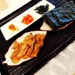 そうる肉食堂 承 - ブタカルビ3枚油甘辛いタレ食欲出ます!