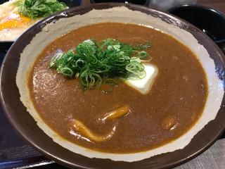 香川 一福 立川店 - カレーうどん 中 750円。