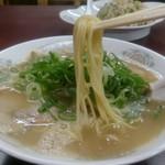大黒ラーメン 本店 - ラーメンの麺