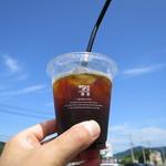 セブンイレブン - ドリンク写真:コーヒーR100円(税込)。