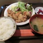 70408990 - 鶏の唐揚げ定食500円