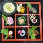 創作割烹 東 - 季節の逸品9種盛り合わせ