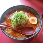 凛 - 料理写真:中辛味噌ラーメン850円(太麺)