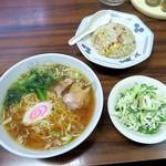 宝楽 - 半チャーハン・ラーメン¥850