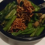 中国名菜 さだひろ - あんかけ焼きそばは、パリパリの揚げやきそばを使用です。