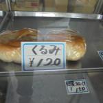 松本製パン - ショーケース