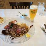 レストラン グーテ! - 『牛サーロインステーキ(200g)』(2300円)と『カールスバーグ(生ビール)』(600円)~♪(* ̄∇ ̄)ノ