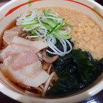 狭山そば - 料理写真:特製肉そば(490円)