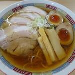 煮干鰮らーめん 圓 - 特製煮干しラーメン(980円)
