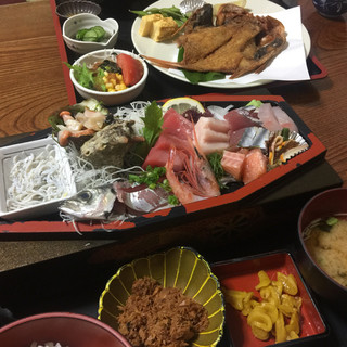 磯亭 - 料理写真:刺身定食1680 なかなか盛りだくさん