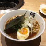 牛角ビュッフェ - 煮干しの醤油ラーメン。2980円食べ放題コースの一品です。
