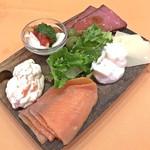 イタリアンダイニングDONA - 前菜6種盛り(税別780円)