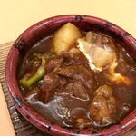 イタリアンダイニングDONA - 牛タンの赤ワイン煮(税別580円)