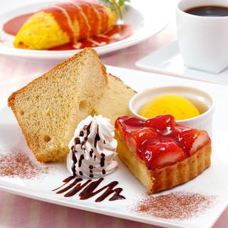 ケーキ、ドリンクが選べる「得々セット420円」が100円に♪