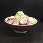 70422132 - 170715小ラーメン700円麺少な目ニンニク増し