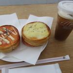 70422810 - 朝まるセット 400円 (2017.6)