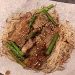 ちんちくりん - ニンニクの芽と豚炒め
