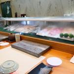 寿司栄 - カウンター
