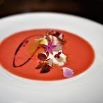 70424634 - ビーツと苺のスープ仕立て ブッラータチーズ フルーツトマト カシスのソース