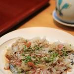 鮨 一條 - サバを玉ねぎと紅葉おろしとポン酢で