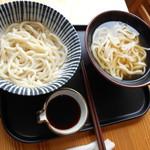 南関うどん - 料理写真:かけうどんとぶっかけうどん