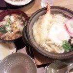 7043191 - 鍋焼きうどんと親子丼ミニ(ピンボケ・・・)