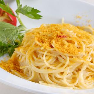 トラットリアガルガ名物!カラスミたっぷりのスパゲッティ