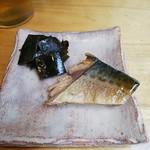 70433142 - お通しのサバの味噌煮と昆布の佃煮