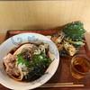 絹延橋うどん研究所 - 料理写真:梅しそおろしぶっかけ(冷)中盛、一品(天ぷら)