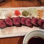 70435236 - いろいろなお味が楽しめる牛ハラミステーキ(タタキ)580円