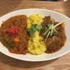 レインボウスパイス カフェチャイストール - 料理写真:ダブルカリーライス 野菜マサラ&ポンクビンダルー