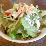 カフェレストラン亜詩麻 - セットのサラダ