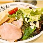 70436407 - 塩煮干し冷野菜麺 780円 冷え加減、お味、共にキリリっと引き締まった印象の涼なる一杯です。