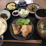 かもめ食堂 - かもめ定食 by iPhone