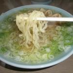 丸信ラーメン - 麺