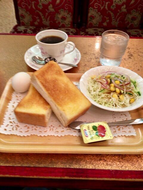 カフェ&レストラン談話室 ニュートーキョー - モーニングセット(厚切りトースト他)