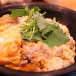 秋田比内地鶏生産責任者の店 本家あべや - 比内地鶏親子丼