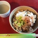 愛山荘 - 料理写真:お蕎麦、蕎麦湯付き