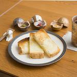 HOTOKI - 料理写真:3種のジャム添えトースト
