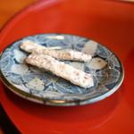 うなぎの美鶴 - 骨煎餅