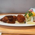 ツムギ キッチン - 料理写真:ハンバーグクリームコロッケランチ