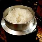 ニクヤキ極味や - 羽釜のご飯