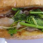 バインミー シンチャオ - ヌックマム漬け豚肉バインミー