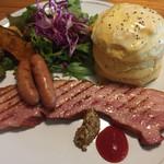 カフェブルー - 厚切りベーコン&ウインナープレート(スープ付き) ¥1,280