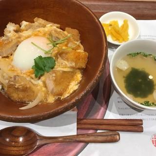 井手カツ丼 - 至福のカツ丼 温玉のせ