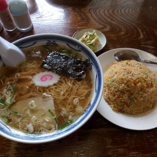 志づ美 - 料理写真:中華そばセット